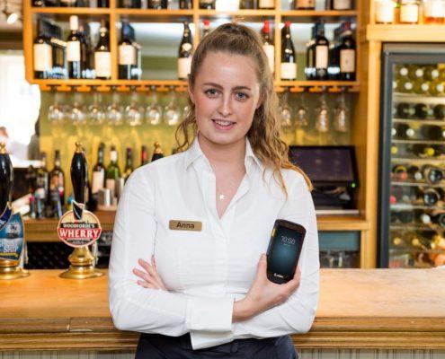 Mobilcomputer Zebra TC20 im Restaurantbereich
