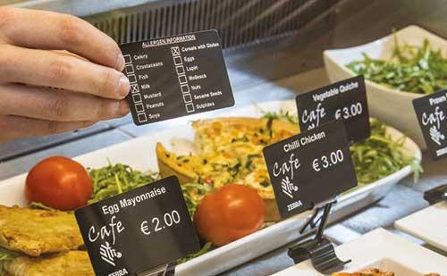 Lebensmittelechte Karten für den Kundenbereich